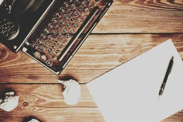 Pekerjaan Yang Bisa Dimulai Dari Hobby Menulis